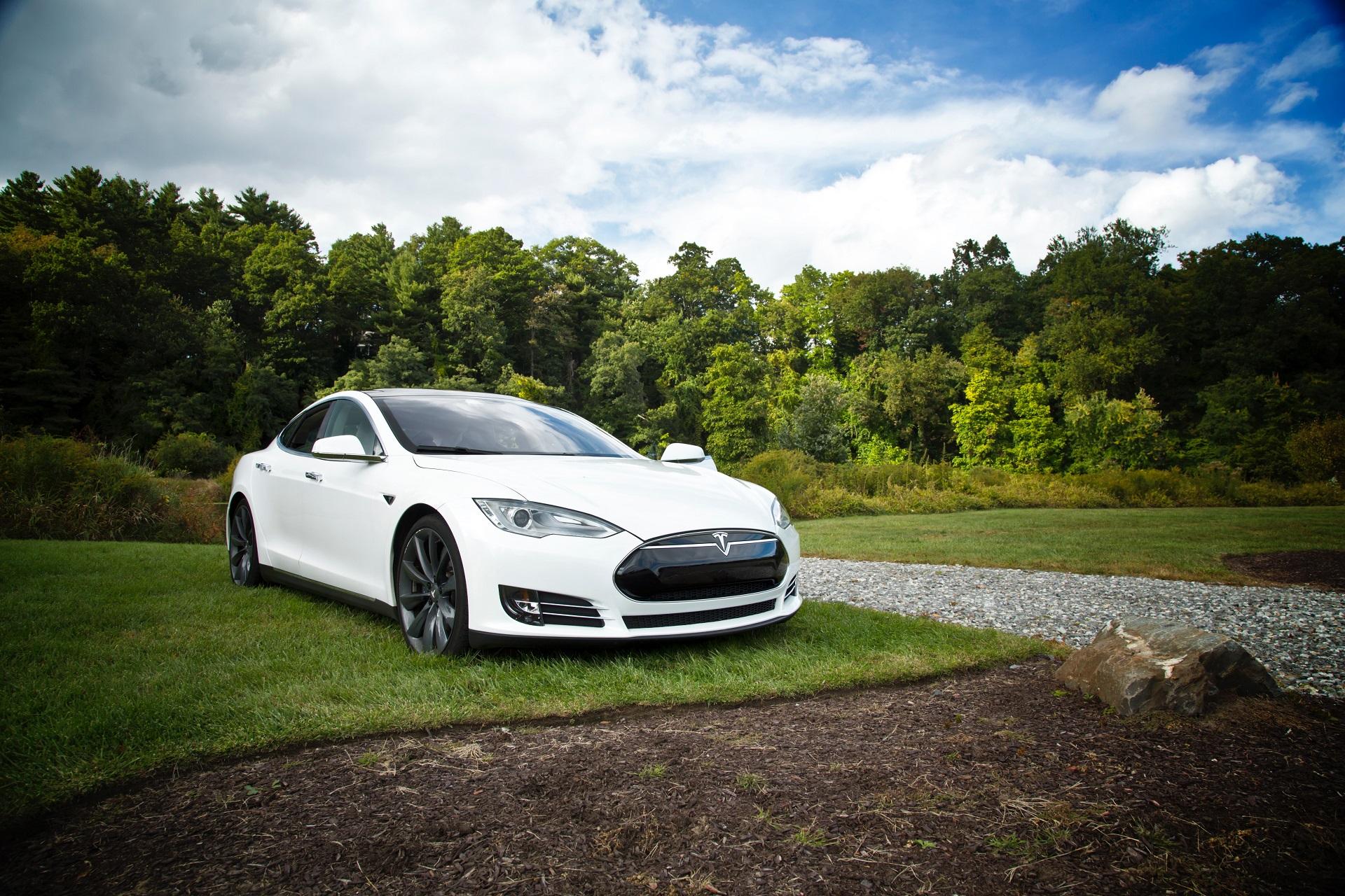 Voiture Tesla, design industriel